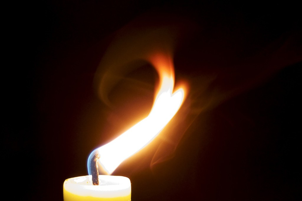 candle-929028_1280